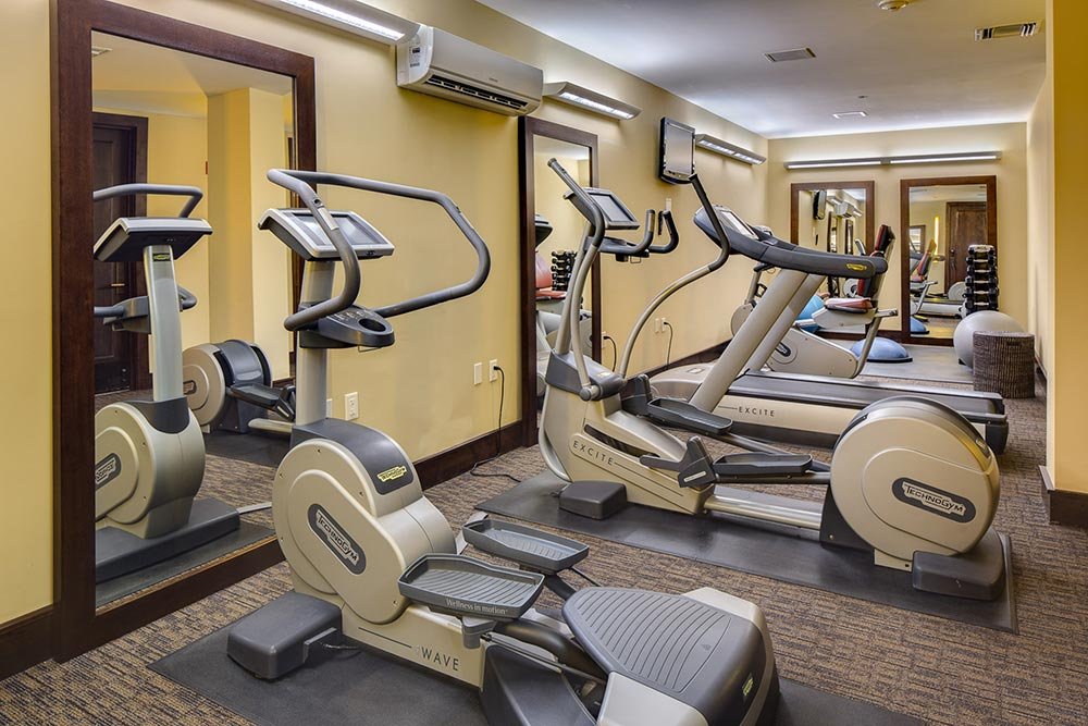 Fitness-Area-amenities-lumiere-hotel