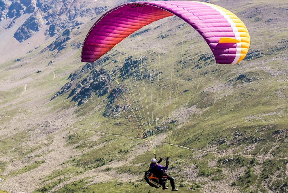 Paragliding-Telluride-Lumiere-with-Inspirato